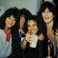 Eddy Van Halen, Alex Van Halen, Steven Tyler, Soul Music, Sound Of Music, Rock And Roll Bands, Rock Bands, Hard Rock, Heavy Metal