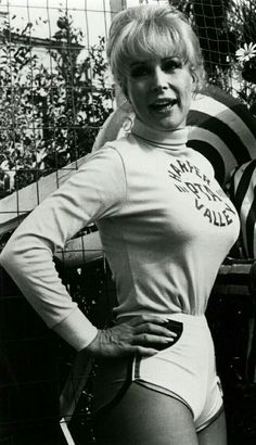Eden Picture Gallery - I Dream of Jeannie - bikini pics/Barbara-Eden Barbara Eden, I Dream Of Jeannie, Elizabeth Montgomery, Hollywood Celebrities, Hollywood Actresses, Hollywood Gossip, Female Celebrities, Vintage Hollywood, Classic Hollywood