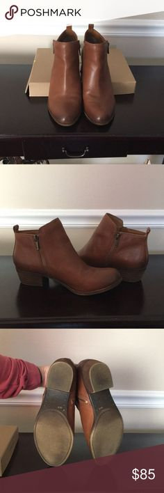 Lucky Brand Booties Worn a handful of times. Great condition! As seen in pics some scuffs natural to the leather. Any further questions please comment. Lucky Brand Shoes Ankle Boots & Booties