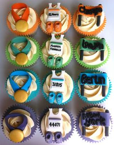 Marathon themed cupcakes for a 4 x marathon runner by Those Cupcake Girls, via… Themed Cupcakes, Yummy Cupcakes, Running Cake, Cake & Co, Dad Cake, Sport Cakes, 40th Birthday Cakes, Cupcake Wars, Cupcake Heaven