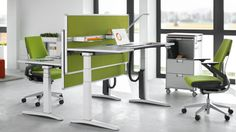 Partito Screen brings structure to space. It successfully combines design and functionality and it is adjustable in height. Adjustable Computer Desk, Wood Computer Desk, Adjustable Height Desk, Cool Office Desk, Office Table, Mobile Desk, Unique Desks, Interior Fit Out, Ottoman Furniture