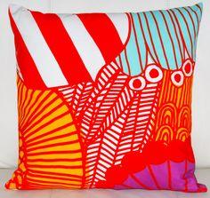 "20""x20"" Marimekko Pillow Cover. Handmade. Pattern: Sirtolapuutarha by Maija Louekari.(50x50cm) by PantsandPillows"