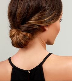 Save this hair tutorial to give yourself a simple chignon for your Valentine's Day date.