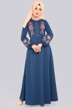 Abaya Fashion, Muslim Fashion, Fashion Dresses, Hijabi Gowns, Modest Long Dresses, Hijab Style Dress, Iranian Women Fashion, Abaya Designs, Muslim Dress