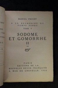 Ci-dessous, à l'occasion de la sortie du livre « Sodome et Gomorrhe » un envoi autographe de PROUST à Henri MASSIS. Ce dernier n'est autre que l'auteur du livre « Le drame de Marcel PROUST » publié en 1937. MASSIS y propose une analyse audacieuse de la relation de PROUST au vice : « Seul devant sa peur du mal depuis qu'il a perdu sa mère ».