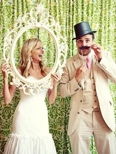 Bride and groom in photo booth - adorbs  Just something fun could be used for more than just weddings