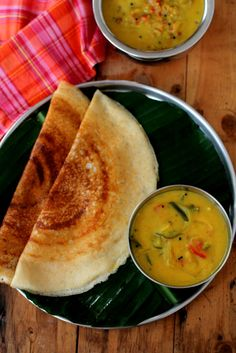 Bombay chutney with dosa. A quick,  vegetarian side dish with chickpeas flour that goes with Indian breakfast dishes like puri, idli & roti. www.sailusfood.com