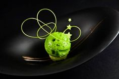 Valencia restaurant Samsha's Head Chef, Victor Manuel Rodrigo, has worked at restaurants across Spain and was awarded Chef of the Year in Mojito, Valencia Restaurant, Fairy Food, Almond Cookies, Molecular Gastronomy, Food Presentation, Toffee, Food Art, Raspberry