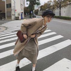 Fashion Pants, Girl Fashion, Fashion Outfits, Womens Fashion, Japan Fashion, Daily Fashion, How To Pose, Dandy, Modest Fashion