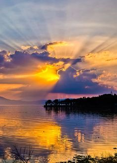 ~~Sunset on Lake Chapala, Mexico by Tommy Farnsworth~~