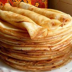Тонкие блинчики на молоке получаются очень нежными, тоненькими и вкусными. Такие блинчики прекрасно подойдут под любую начинку или просто смажьте растопленным маслом, а так же можно подавать с медом и
