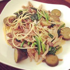 残りものレシピ - 5件のもぐもぐ - ナスとほうれん草と牛肉のバター醤油パスタ by namiiiiiko