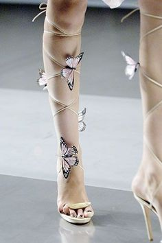 Alexander Mcqueen.. beautiful butterfly lace-ups #capitolcouturecollection #alexandermcqueen2008
