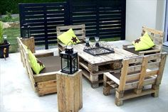 pallet patio furniture - table and chairs