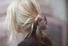 Surprising Diy Ideas: Messy Hairstyles For Wedding messy bun hairstyles.Women Hairstyles Short Long Layered boho hairstyles step by step. Good Hair Day, Great Hair, Messy Hairstyles, Pretty Hairstyles, Wedding Hairstyles, Hairstyle Ideas, Updo Hairstyle, Wedding Updo, Lazy Girl Hairstyles