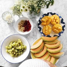 Fruit party for 3 😍 with and Fruit Snacks, Easy Snacks, Fruit Party, Plant Based Nutrition, Healthy Nutrition, Healthy Food, Healthy Recipe Videos, Healthy Recipes, Easy Baked Apples