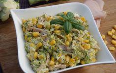 Салат из брокколи с яйцом и кукурузой