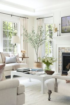 Home Living Room, Living Room Designs, Living Room Decor, Living Spaces, Cottage Style Living Room, Classic Living Room, Interior Exterior, Interior Design, Cottage Style Homes