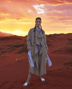 Model Crista Cober is styled by Anne-Sophie Thomas in desert honoring looks for 'Duel in the Sun'. Jesse Laitinen is behind the lens for Marie Claire US April Hair by Pierre Saint Sever; makeup by Lili Choi Fashion Editorial Nature, Vogue Editorial, Fashion Shoot, New Fashion, Trendy Fashion, Fashion Fall, Fashion 2017, Runway Fashion, Photography Women