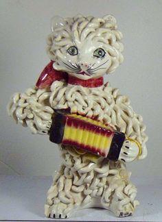 1050s spaghetti cat with accordion