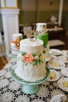 garden inspired cake - photo by Abby Leighanne Photography http://ruffledblog.com/enchanted-provencal-wedding-inspiration