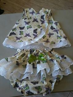 Image gallery – Page 310818811763329631 – Artofit Baby Sewing Projects, Sewing For Kids, Baby Dress Patterns, Baby Bloomers, Baby Shirts, Little Girl Dresses, Toddler Girl, Kids Outfits, Kids Fashion