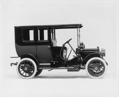 1911 Packard 18 Model NC two-toned limousine, 4-cylinder, 18-horsepower, 112-inch wheelbase