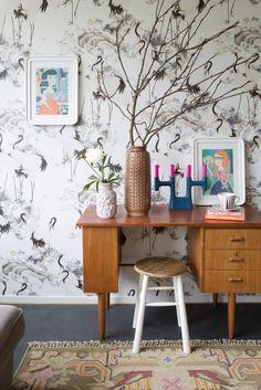 Add These Retro Touches To Get The Perfect Retro Interior Design! Eclectic Home, Retro Interior, Vintage Interior, Decor, Interior Design, Interior, Modern Style Furniture, Eclectic Interior, Retro Interior Design