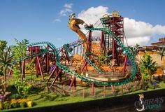 Nova montanha-russa dedicada às famílias inaugura em 2016 Tampa, FL (Novembro, 2015) - O Busch Gardens Tampa, na Flórida, acaba de divulgar mais detalhes de seu mais novo projeto para 2016, a Cobra's Curse - uma montanha-russa única no mundo. Dedicada às famílias, ela...