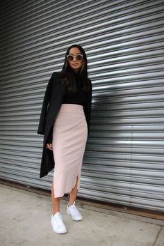 beautiful long skirt outfits for working women - work outfits i . beautiful long skirt outfits for working women - work outfits i . Tight Skirt Outfit, Long Skirt Outfits, Pencil Skirt Outfits, Long Tight Skirt, Long Skirts, Black Pencil Skirt Outfit, Pencil Skirt Casual, Winter Fashion Outfits, Look Fashion