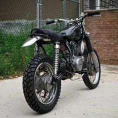 Black Yamaha SR400(?) Dual sport custom
