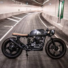BRAT CAFE⛽️Fueled by @rebelsocial | Tag: #bratcafe | CX500 by @arjanvandenboom for @aroelofs |  Photo by @paul_vanml #ironwoodcustommotorcycles #caferacergram #caferacer #caferacers #cx500 #hondacx #hondacx500 #hondacaferacer #cx500caferacer #hondabrat See more on our profile or at facebook.com/bratcafe #rebelsocial