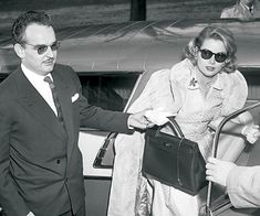 Aah, Grace Kelly and the bag that was named after her... The Hermes Kelly handbag.