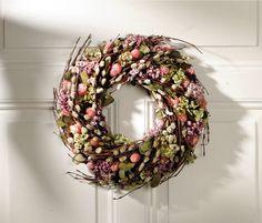 Deko Kranz, rosa kleine Blüten mit Weidenkätzchen und Frühlingsgrün | Wohnambiente-Shop