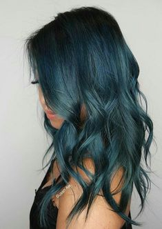 20 Meerjungfrau Blau Haar Ideen Und Farben 20 Mermaid Blue Hair Ideas And Colors Color Melting Hair, Pulp Riot Hair Color, Dye My Hair, Pastel Hair, Lilac Hair, Teal Ombre Hair, Teal Hair Color, Mermaid Hair, Pretty Hairstyles