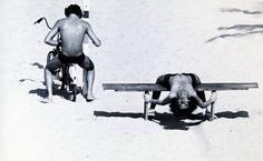 Folha de S.Paulo - Ilustrada - Fotógrafo assassinado tem seus retratos de garotos das praias do Rio na Bienal - 30/09/2012