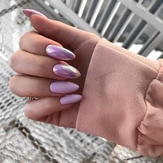On average, the finger nails grow from 3 to millimeters per month. If it is difficult to change their growth rate, however, it is possible to cheat on their appearance and length through false nails. Almond Nail Art, Almond Shape Nails, Almond Nails, Perfect Nails, Gorgeous Nails, Spring Nails, Summer Nails, Trendy Nails, Cute Nails