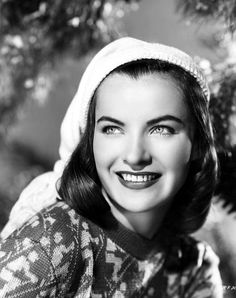 Ella Raines - Christmas 1940s actress from Hail the Conquering Hero