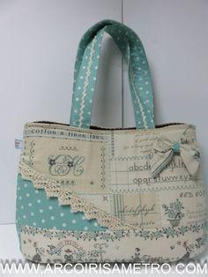 ****** Arco-Iris a Metro ****** Patchwork & Quilting em Portugal Bag made for me by my daughter (15 yrs) - even the laçe was knitted by her Mala feita (para mim) pela minha filha (15 anos). Até a renda foi tricotada por ela