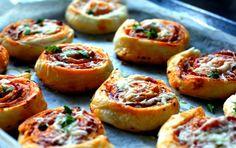 Bułeczki pizzowe – szybka przekąska  Palce Lizać