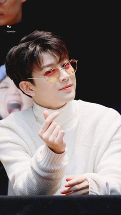 #iKON #SONG #LOCKSCREEN Kim Jinhwan, Chanwoo Ikon, Yg Entertainment, Fandom, Bobby, Rhythm Ta, Ringa Linga, Ikon Songs, Ikon Kpop