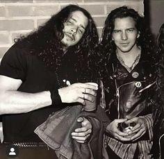 Pearl Jam Chris Cornell, Ed Vedder, Pearl Jam Eddie Vedder, Grunge Guys, Alice In Chains, Music Icon, Cultura Pop, Great Hair, My Boyfriend