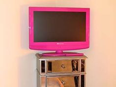 My hot pink FAVI TV...the girliest TV in the entire world!