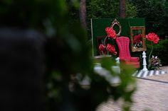 """До этого дня я знакомила Вас локацией """"Чаепитие у Шляпника"""". Теперь представляю Вашему вниманию фотозону """"В гостях у Красной Королевы""""  #гурудекора #gurudecora #julydecor #юлиндекор #eventdecor #eventdesign #оформлениемероприятия #оформлениесобытий #оформлениеторжества #decor #decoration #floristic #праздничныйдекор #оформлениестола #алисавстранечудес #шляпник #безумноечаепитие #AliceinWonderland #madteaparty"""