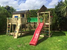 Jungle Gym around the world 🌍We'd love to play in this climbing frame every day!