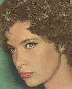 ΤΖΕΝΗ ΚΑΡΕΖΗ Old Greek, Famous Artists, The Rock, Old Photos, Actors & Actresses, Beautiful People, Greece, Crushes, Cinema