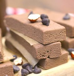 Healthy Nutella Fudge DIY Protein Bars from the DIY Protein Bars Cookbook – Jessica Stier of Desserts with Benefits