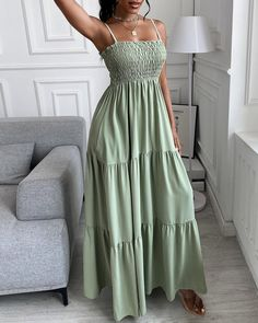 Green Maxi, Green Dress, Maxi Dress With Sleeves, Floral Maxi Dress, Chic Type, Spaghetti Strap Dresses, Spaghetti Straps, Womens Fashion Online, Casual Dresses