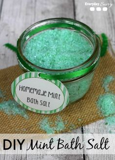 How to make Homemade DIY Mint Bath Salts. It is so easy and super cute too! Includes free printable, These would be perfect for gifts or party favors.