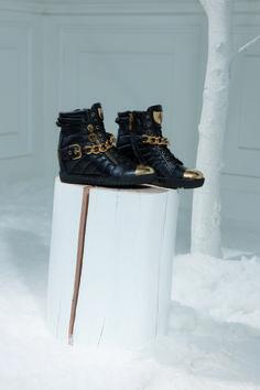 LORIBLU / Still life / Black Calf Sneakers / gold details / F.W. 2015. Available at Loriblu boutiques andhttp://www.loriblu.com/en/donna/nuovi-arrivi/sneaker-5ivv8456vl0200016po.html #FW2015 #black #calf #sneakers #gold #details #FW2015 #Loriblu